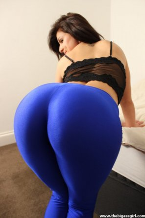 amateur photo In blue