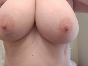 amateur photo Nothing too exciting, but here are my tits. ;)