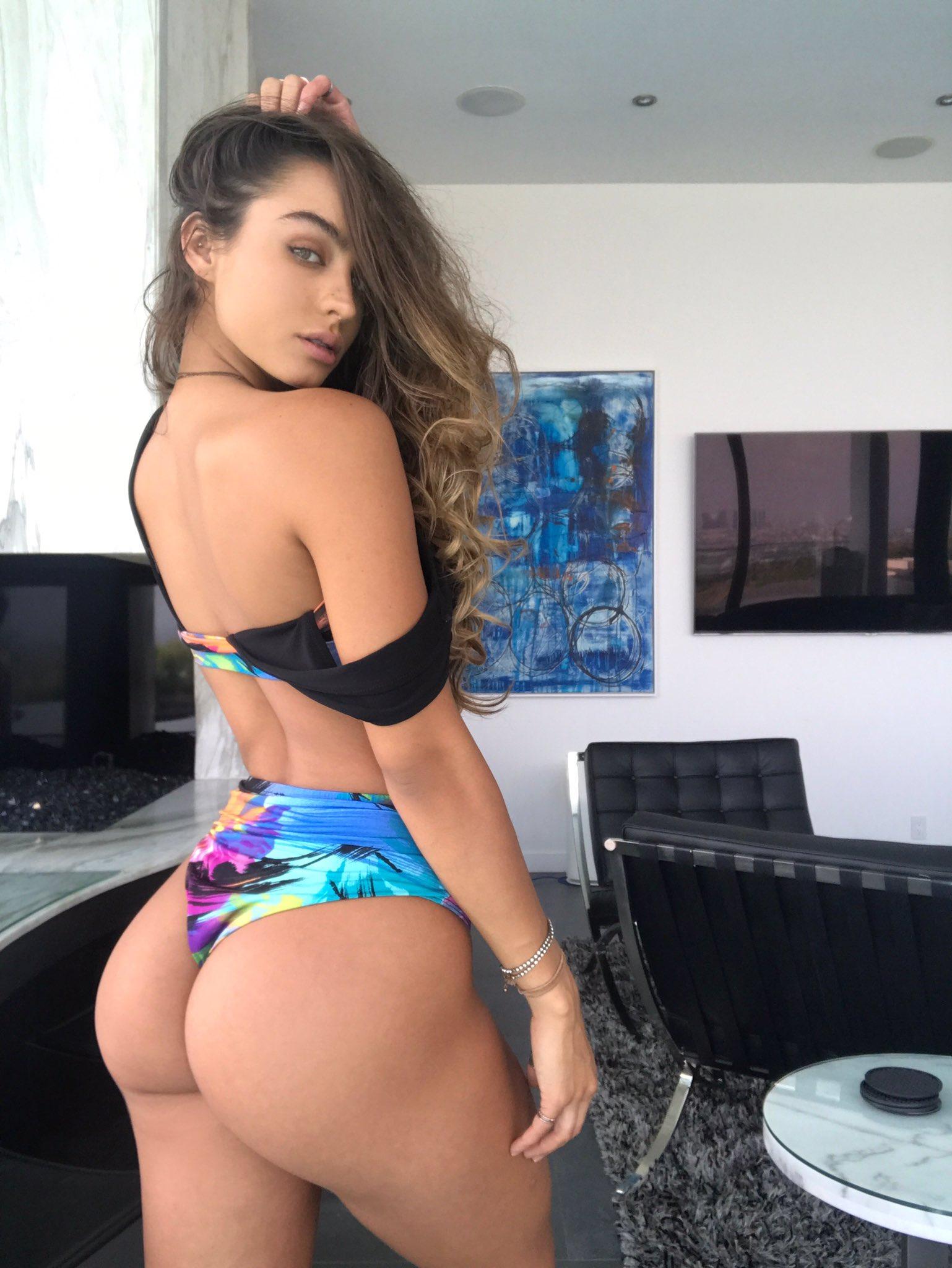 Austalian girl fuck by nude man