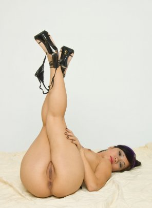amateur photo Tiny panties hanging from her heels