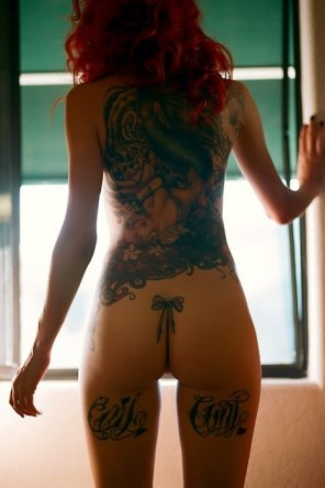 amateur photo The tats are a warning but I'd still smash