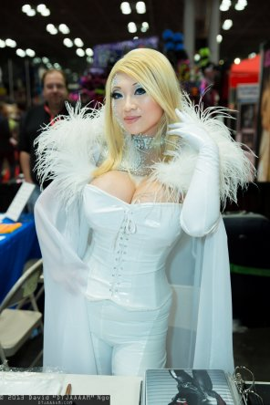 amateur photo Yaya Han