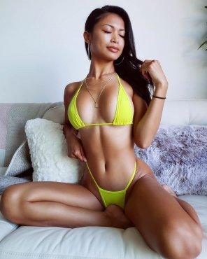 amateur photo Tight Bikini Hottie