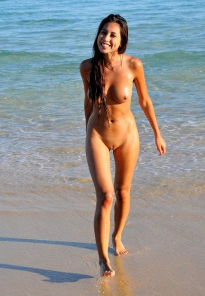 amateur photo Happy Nudist