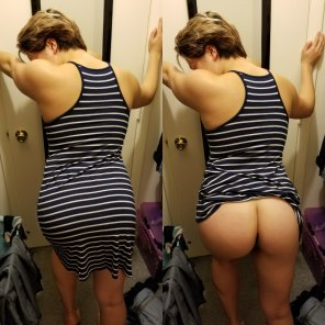 amateur photo My gorgeous girlfriend showing off her tight ass [OC]