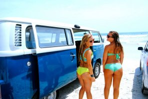 amateur photo hippie van w/ asses