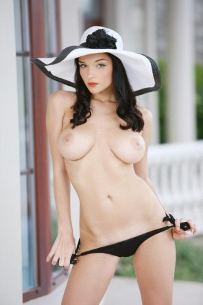 amateur photo Katie Fey in a floppy hat