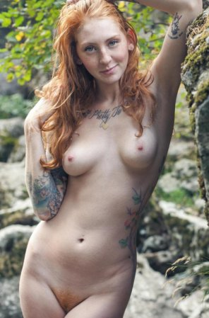 amateur photo Tatted babe...