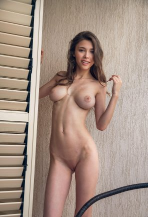 amateur photo Mila's perfect fuckable body