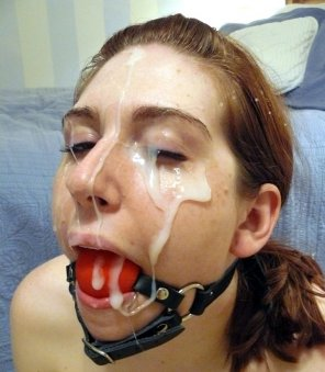 amateur photo Ballgag Facial