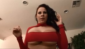 amateur photo Gianna Michaels underboob