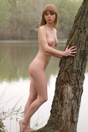 amateur photo Naked by the lake