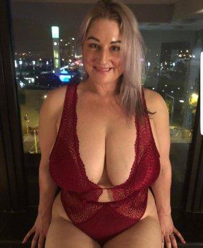 mature busty amateur porn