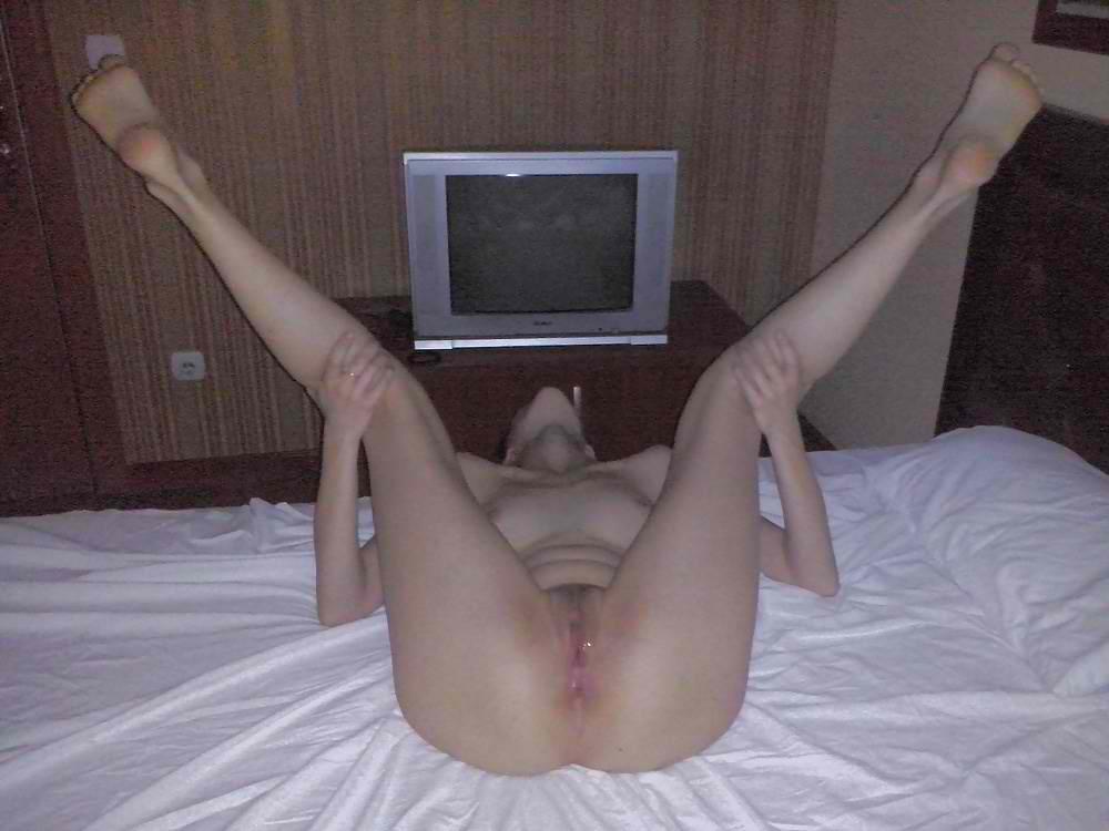 Milf Spread Legs Masturbation