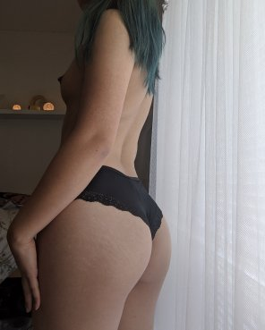 amateur photo Taking applications for a pair of hands to grab my ass ☺️