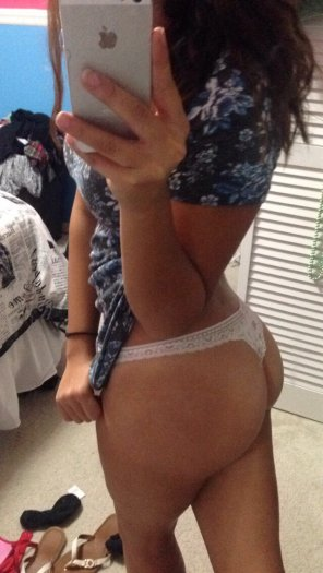 amateur photo Latina ass - hollysbed on snapchat