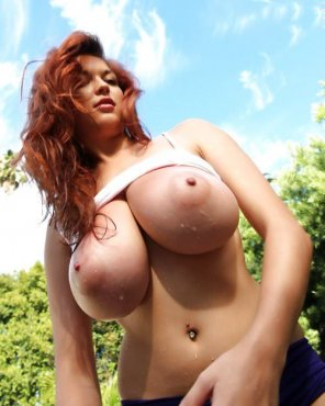 amateur photo Huge Milky Boobs