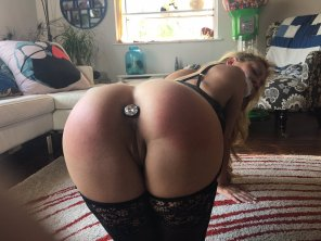 amateur photo buttplug milf
