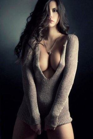 amateur photo That Sweater looks comfy...