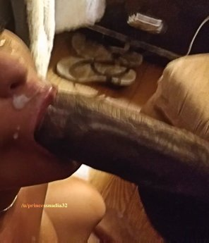 amateur photo [F][M] Not my boyfriend's cock 😈