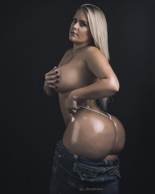 Oiled Porn Photo
