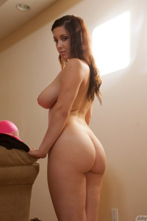 amateur photo Thick brunette