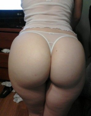 amateur photo PAWG amateur in thong
