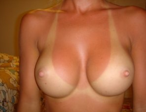 amateur photo Perfect tits, Perfect tan lines