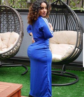 amateur photo Filling out that blue dress