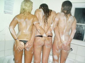 amateur photo Six sudsy handfuls.