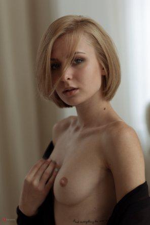 amateur photo Slim Framed Blonde