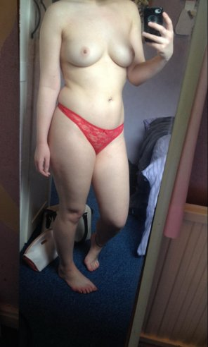 amateur photo Wanna have some naughty fun with me ?
