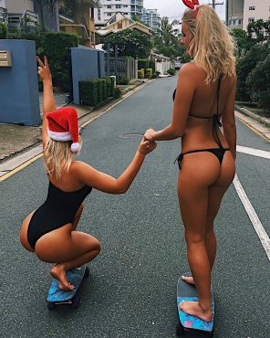 amateur photo Skating for Santa