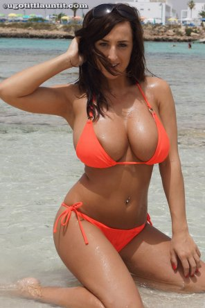 amateur photo Orange Bikini