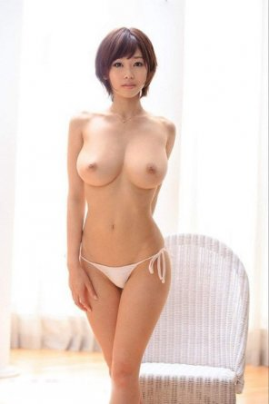 amateur photo Short hair and what a pair