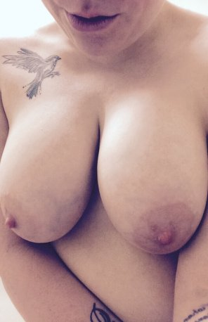 amateur photo Bored at work tits