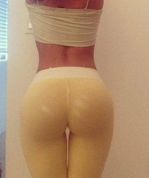 amateur photo Yellow