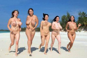 amateur photo Naked Fun Run, bet know on yours Favorite Runner !
