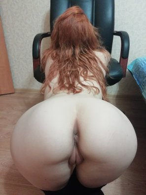 amateur photo [F23] take me by the hair and use my holes ... or sit in front and I will serve you