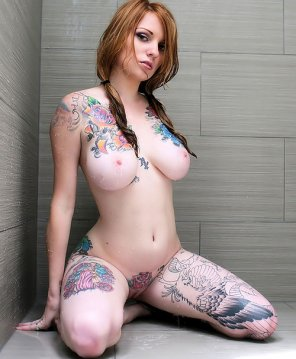 amateur photo Tatted hottie