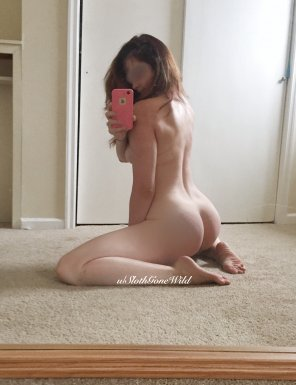 amateur photo Timid girl with a not-so-timid ass [OC] [F 33]
