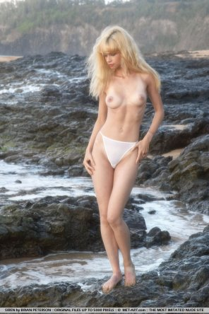 amateur photo Topless At The Tide Pools