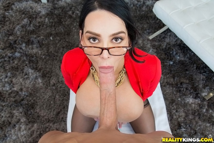 Amy Anderssen big tit BJ Porn Photo