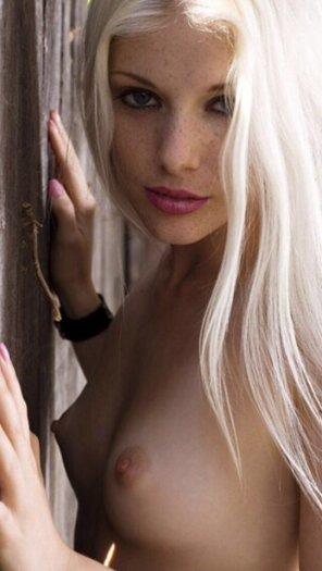 amateur photo Platinum blonde freckles