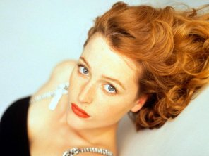 amateur photo Young Gillian Anderson