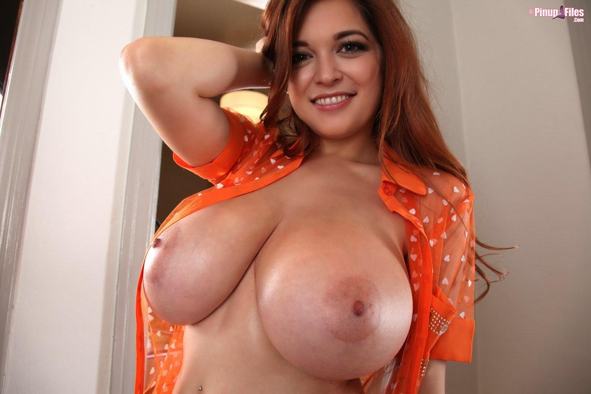 Tessa Fowler Hot