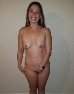 amateur photo Average milf touches herself