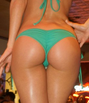 amateur photo green Bikini