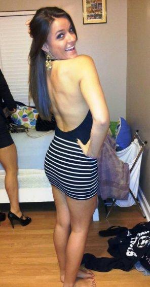 amateur photo PictureRear view short dress