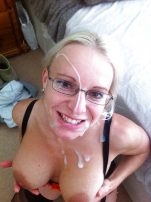 amateur photo Cum on Milf wearing glasses